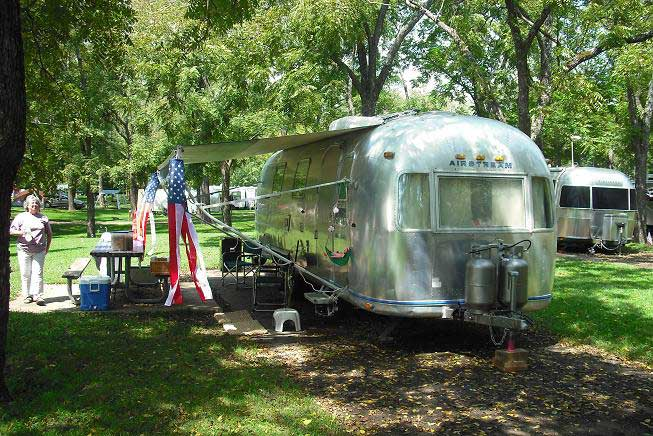 Click image for larger version  Name:maccamper.jpg Views:62 Size:82.7 KB ID:66742