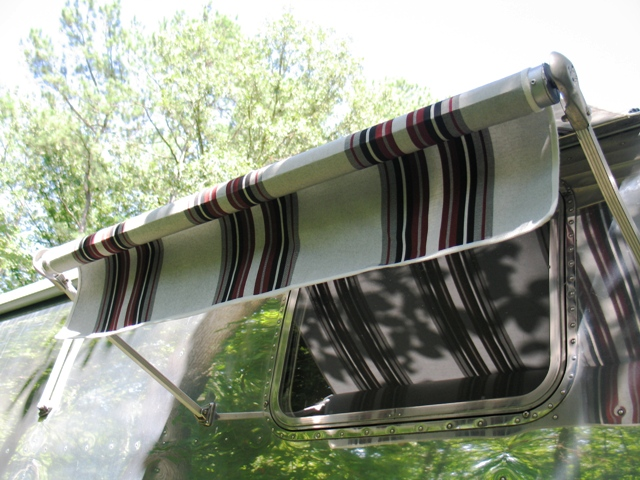 Click image for larger version  Name:awning2.JPG Views:102 Size:169.4 KB ID:66997