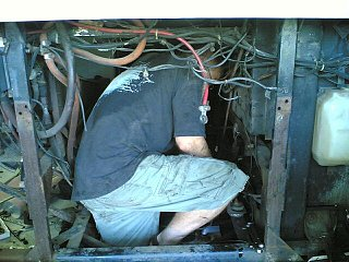 Click image for larger version  Name:jason in engine compartment.jpg Views:168 Size:55.6 KB ID:67302