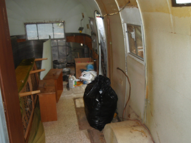 Click image for larger version  Name:Airstream Gutting 007.jpg Views:353 Size:133.0 KB ID:67321