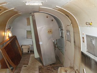 Click image for larger version  Name:Airstream Gutting 005.jpg Views:318 Size:141.1 KB ID:67370