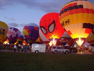 Click image for larger version  Name:balloonglow.jpg Views:78 Size:294.5 KB ID:69064