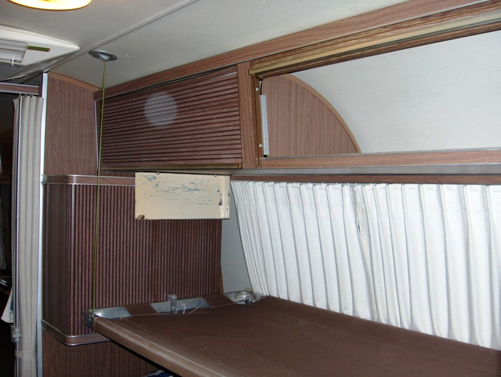Click image for larger version  Name:Airstream Bunks 001.JPG Views:159 Size:103.4 KB ID:69086