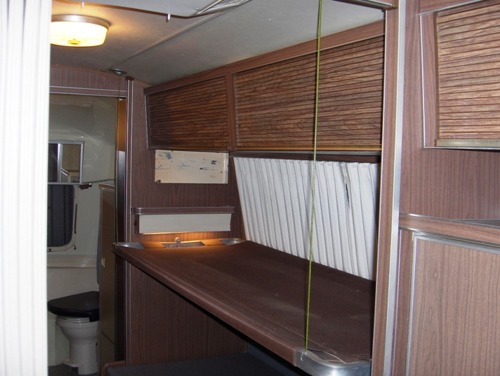 Click image for larger version  Name:Airstream Bunks 005.JPG Views:145 Size:106.8 KB ID:69090