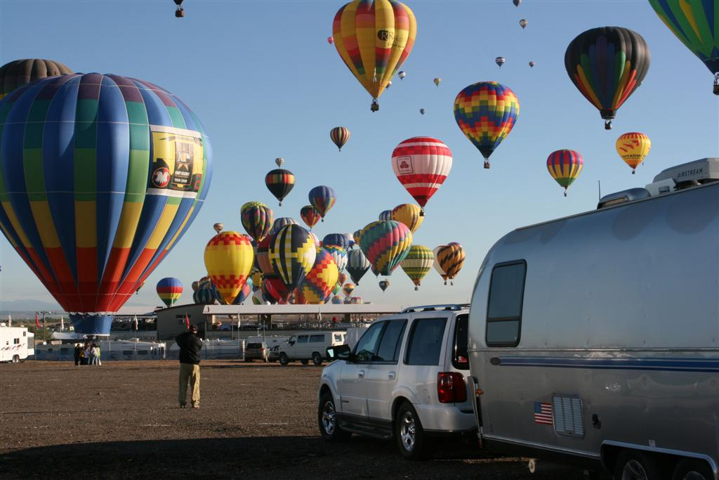 Click image for larger version  Name:2008 Balloon Fiesta 228 (Large).jpg Views:81 Size:92.4 KB ID:69140