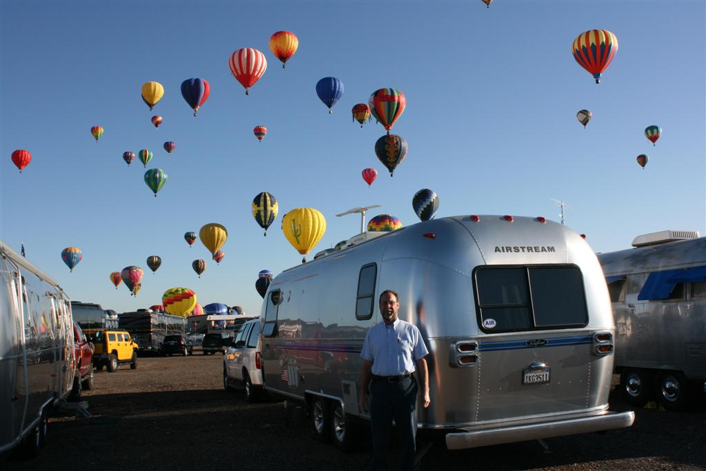 Click image for larger version  Name:2008 Balloon Fiesta 192 (Large).jpg Views:78 Size:76.2 KB ID:69141