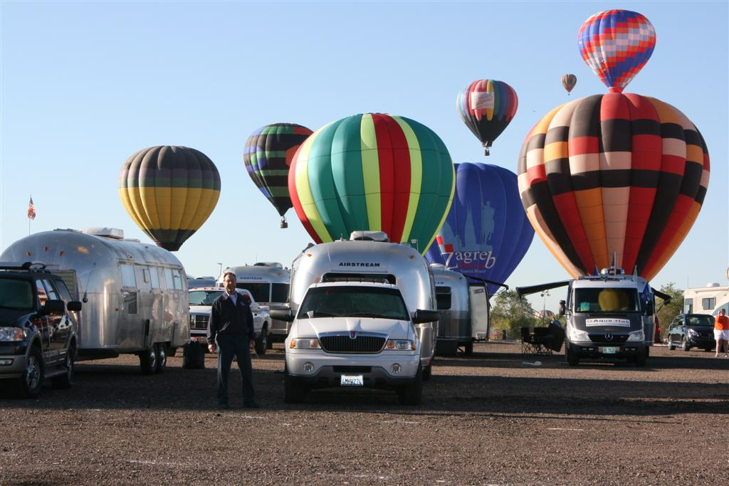 Click image for larger version  Name:2008 Balloon Fiesta 236 (Large).jpg Views:79 Size:110.8 KB ID:69142