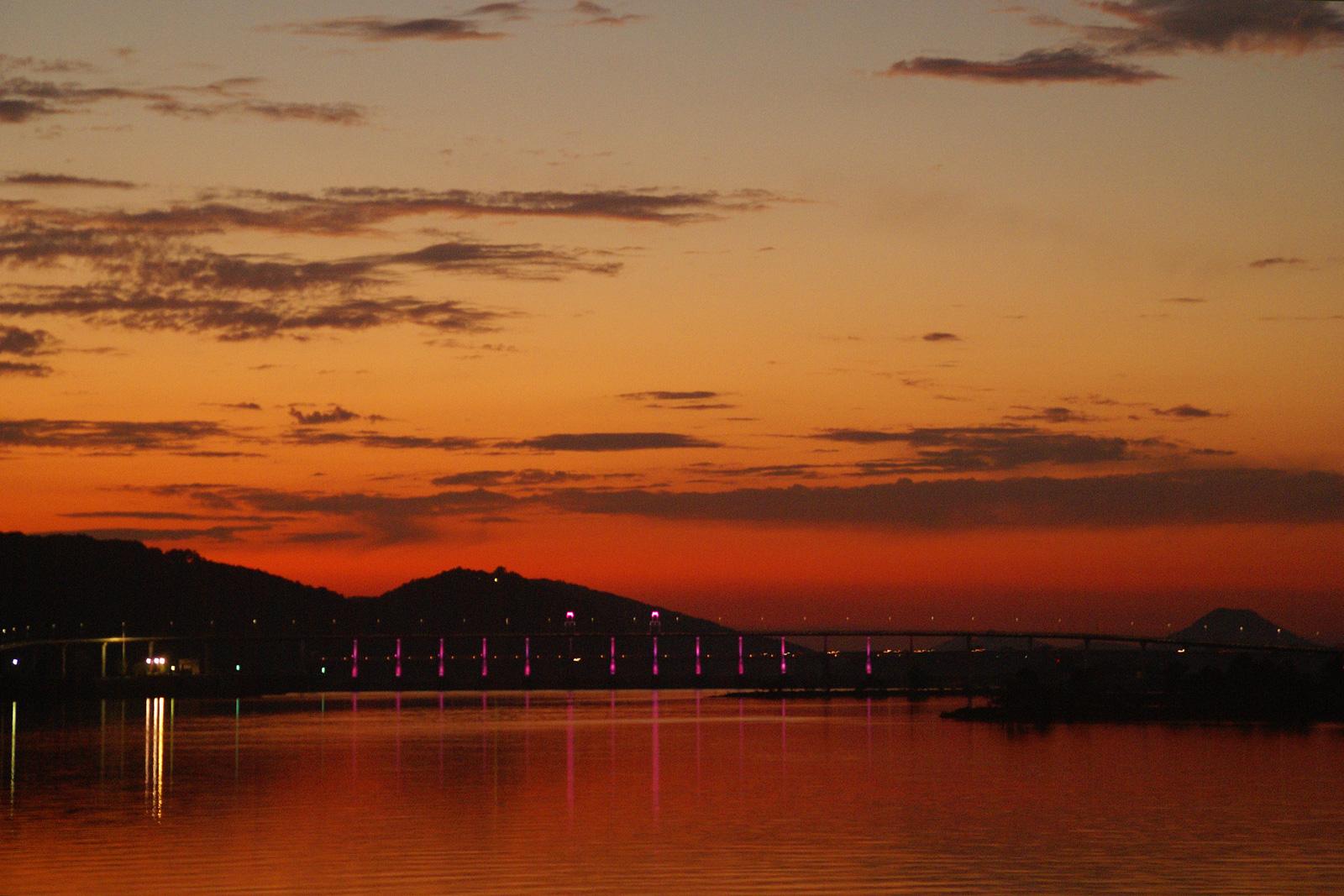 Click image for larger version  Name:DSC00662-Sunset-5_sm.jpg Views:70 Size:637.7 KB ID:69203
