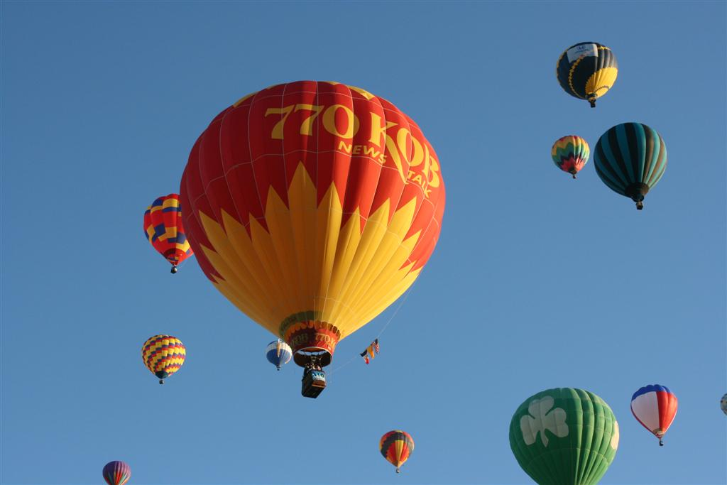 Click image for larger version  Name:2008 Balloon Fiesta 198 (Large).jpg Views:82 Size:49.5 KB ID:69284