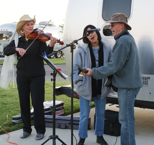 Click image for larger version  Name:NorCal Airstream Rally. Jackson Rancheria - Oct 8 - 14, 2008 168.jpg Views:78 Size:129.5 KB ID:69377
