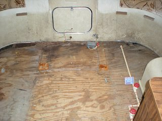 Click image for larger version  Name:Airstream Rear Floor Repair 030.jpg Views:289 Size:175.5 KB ID:70277