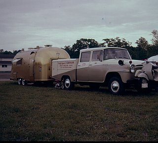 Click image for larger version  Name:Gold Airstream.jpg Views:208 Size:506.1 KB ID:70376