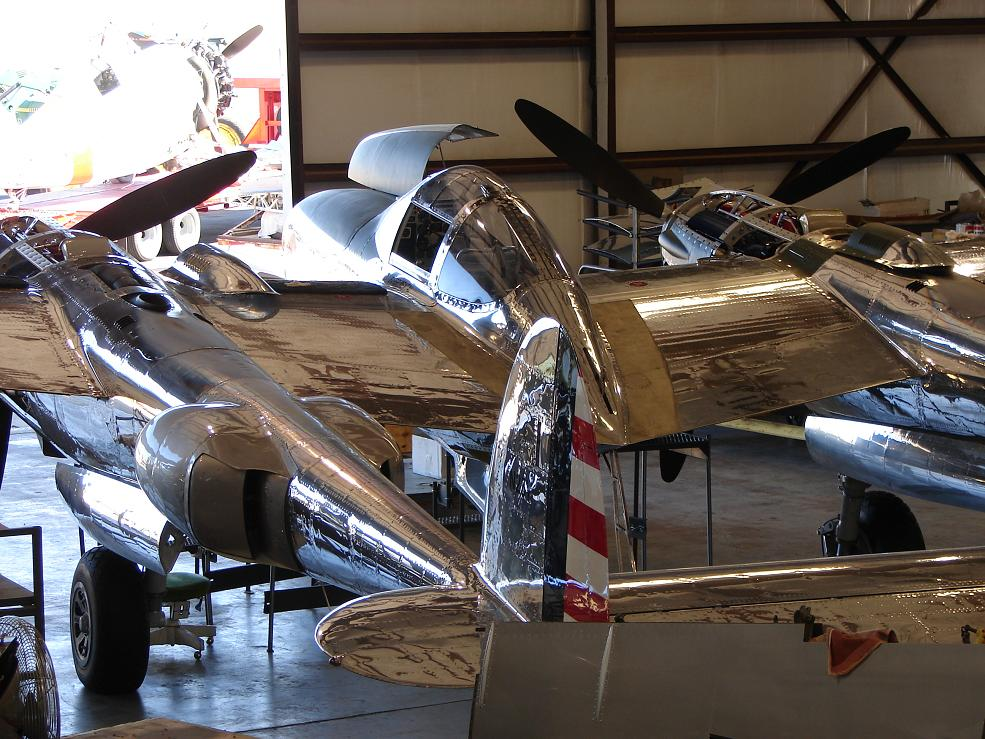 Click image for larger version  Name:SHINY P-38  2.jpg Views:75 Size:162.3 KB ID:70671