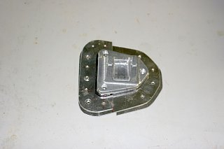 Click image for larger version  Name:IMG_8517 lower hinge assembly-s.jpg Views:429 Size:65.1 KB ID:71183