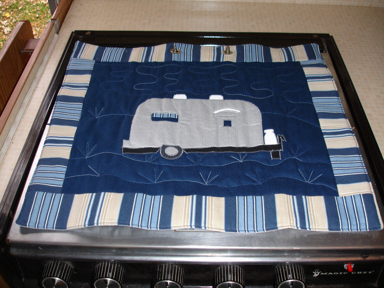 Click image for larger version  Name:Sandy's Stove Protectors 001.jpg Views:68 Size:563.1 KB ID:71267