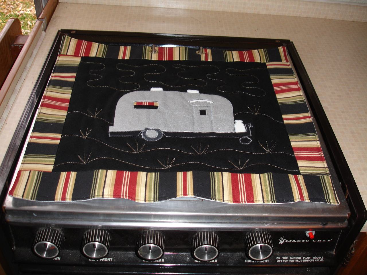 Click image for larger version  Name:Sandy's Stove Protectors 002.jpg Views:69 Size:577.3 KB ID:71268