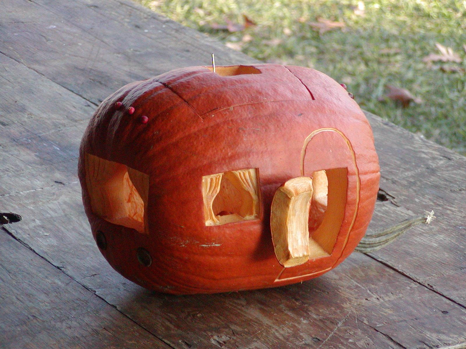 Click image for larger version  Name:Falluminum08-Pumpkin-PB090012.JPG Views:62 Size:459.4 KB ID:71293