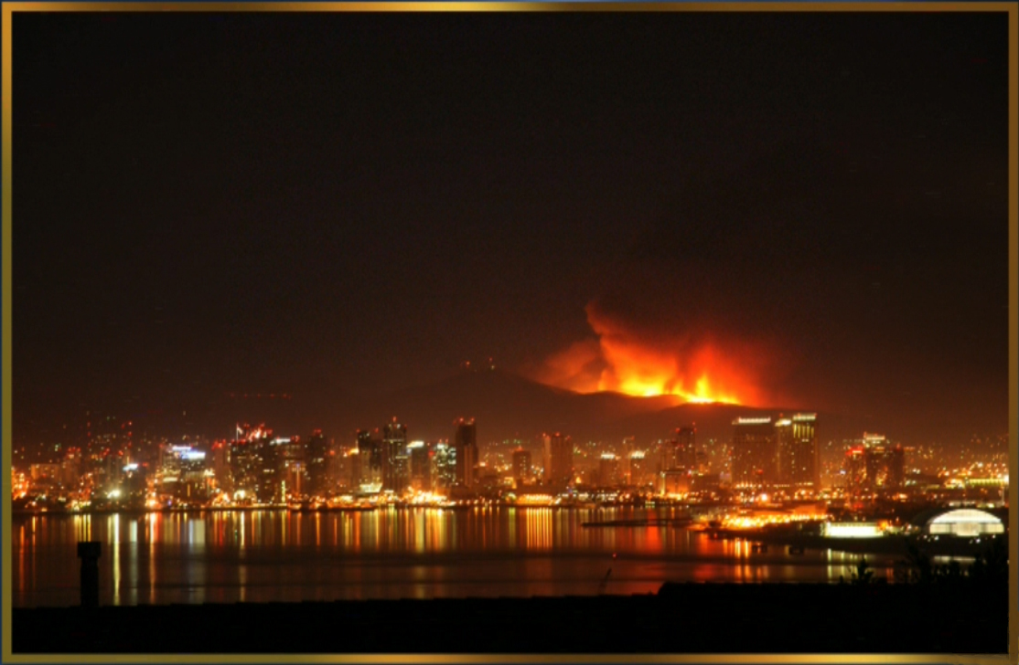 Click image for larger version  Name:San Diego Fire 07.jpg Views:93 Size:399.8 KB ID:71480
