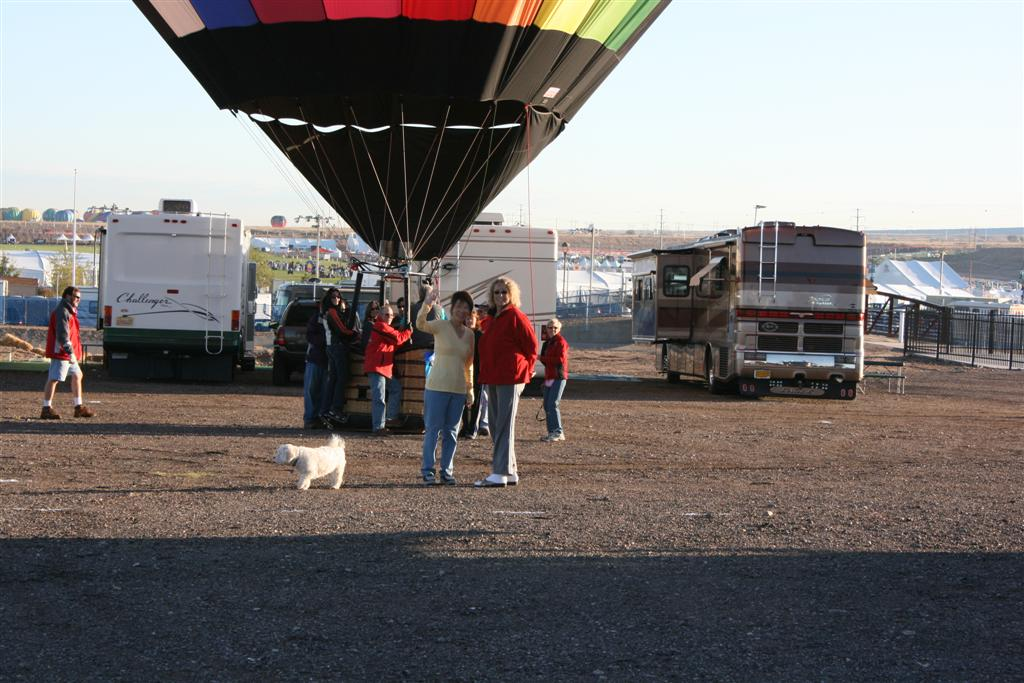 Click image for larger version  Name:2008 Balloon Fiesta 217 (Large).jpg Views:71 Size:123.7 KB ID:71571