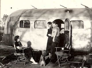 Click image for larger version  Name:Family pictures, artifacts, and Airstream's from the 1930's (5).jpg Views:200 Size:659.7 KB ID:71694