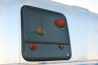 Click image for larger version  Name:2008 Balloon Fiesta 212 (Large).jpg Views:90 Size:56.3 KB ID:72062