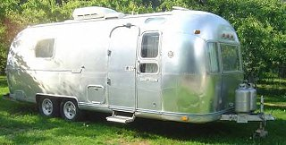Click image for larger version  Name:1974 Airstream Tradewind Curb.jpg Views:173 Size:34.8 KB ID:72194