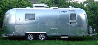 Click image for larger version  Name:1974 Airstream Trade Wind Curbside 1.jpg Views:296 Size:29.7 KB ID:72195