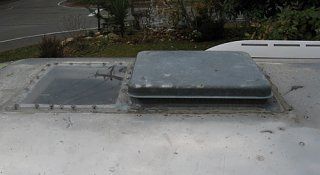 Click image for larger version  Name:Roofvent03sm.jpg Views:137 Size:43.5 KB ID:72234