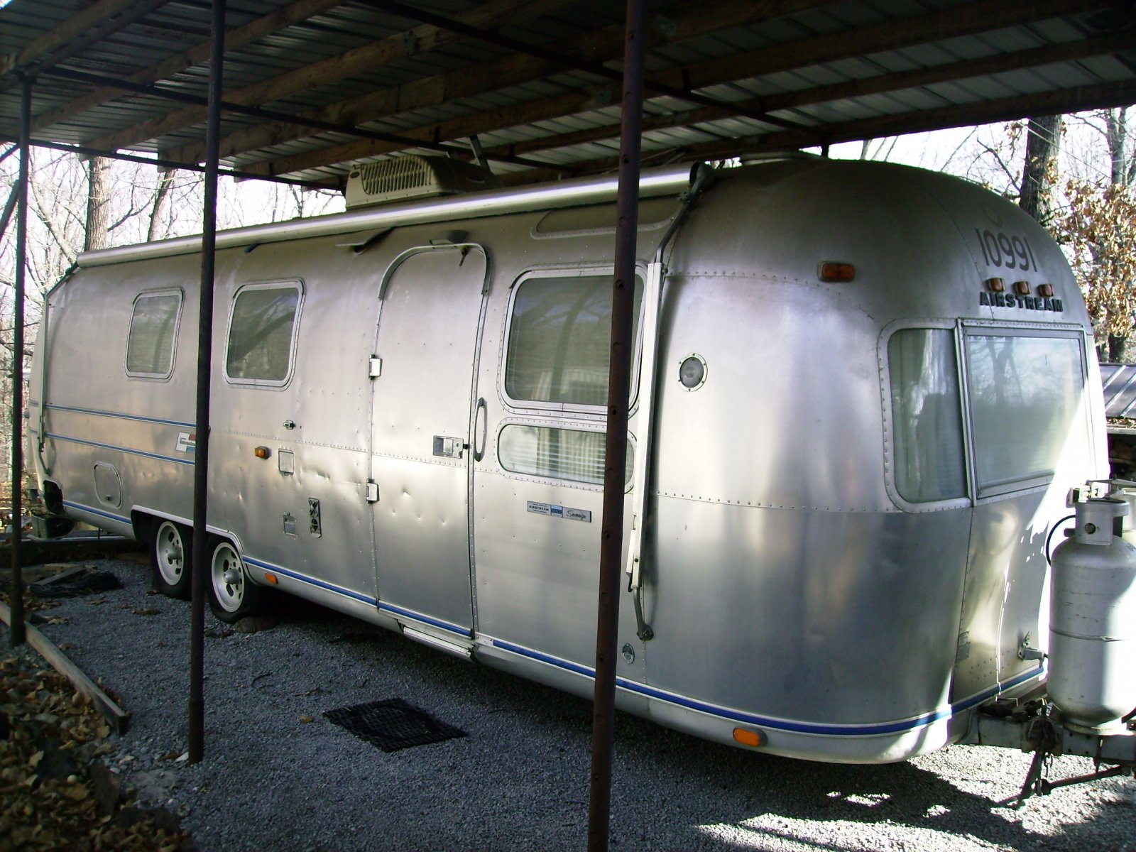Click image for larger version  Name:Exterior front right.jpg Views:72 Size:348.5 KB ID:72663