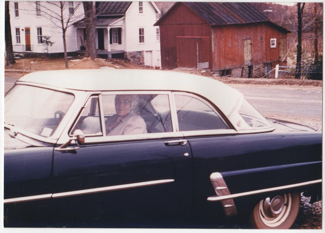 Click image for larger version  Name:GRANDMA'S LAST DRIVE OCT. 1976.jpg Views:58 Size:91.0 KB ID:72664