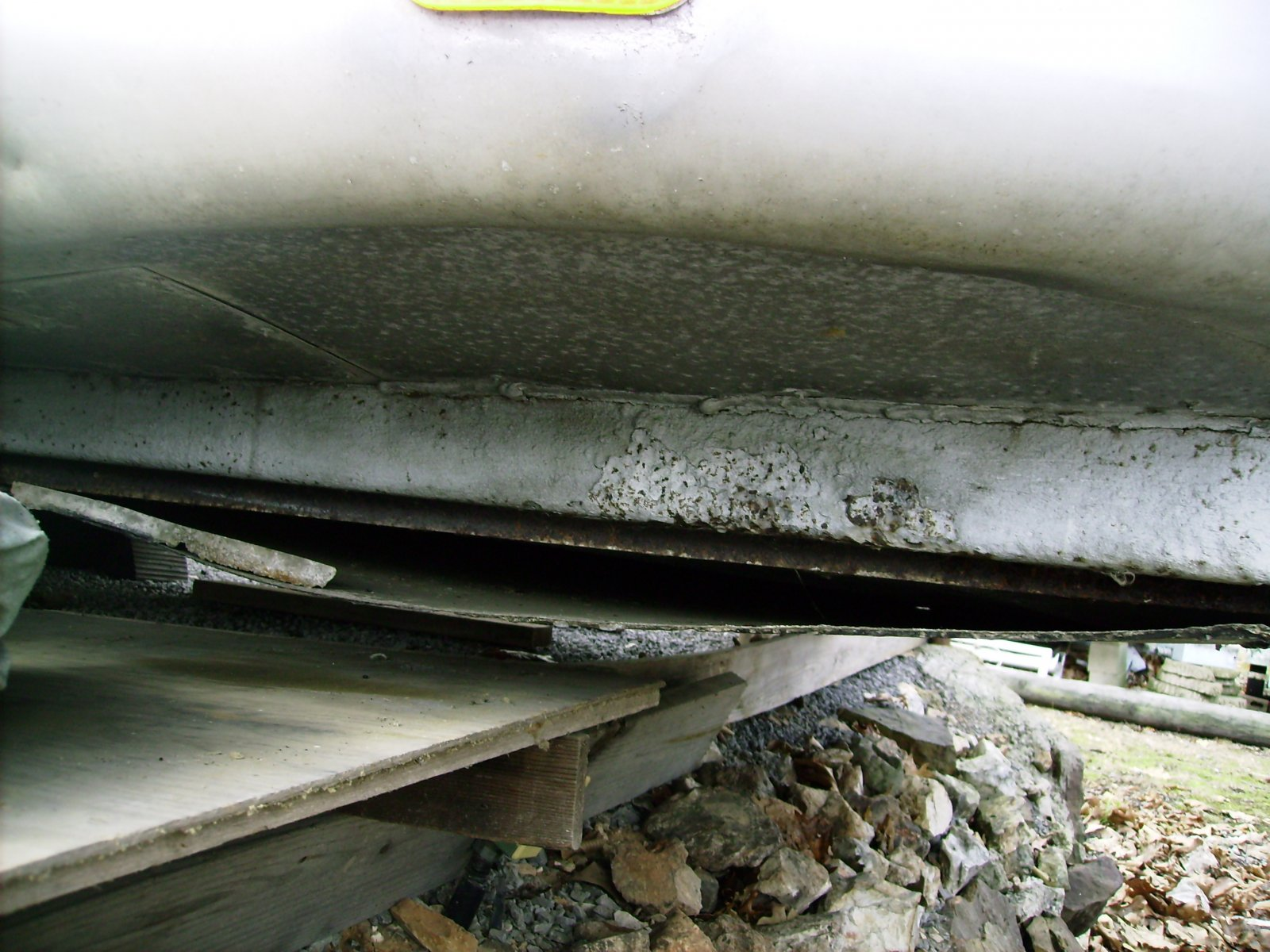 Click image for larger version  Name:Lft rear end tail drop rust delamination.jpg Views:58 Size:281.9 KB ID:72669