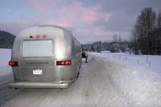 Click image for larger version  Name:IMG_8761 deep snow-s.jpg Views:97 Size:127.1 KB ID:73064