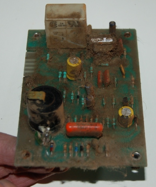 Click image for larger version  Name:furnace cuircut board1-01-09.JPG Views:76 Size:130.0 KB ID:73273