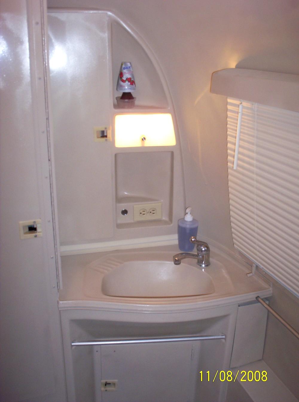 Click image for larger version  Name:Bella Bathroom 1.JPG Views:143 Size:210.1 KB ID:73401