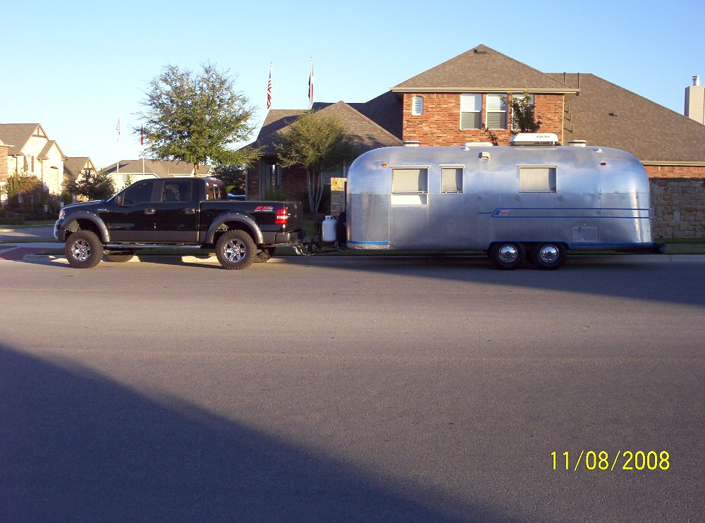 Click image for larger version  Name:Bella & Truck.JPG Views:114 Size:201.9 KB ID:73404