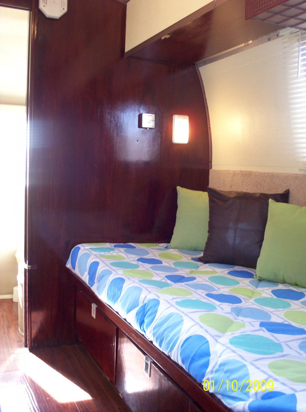 Click image for larger version  Name:Bella Twin Bed 1.jpg Views:97 Size:233.9 KB ID:73612