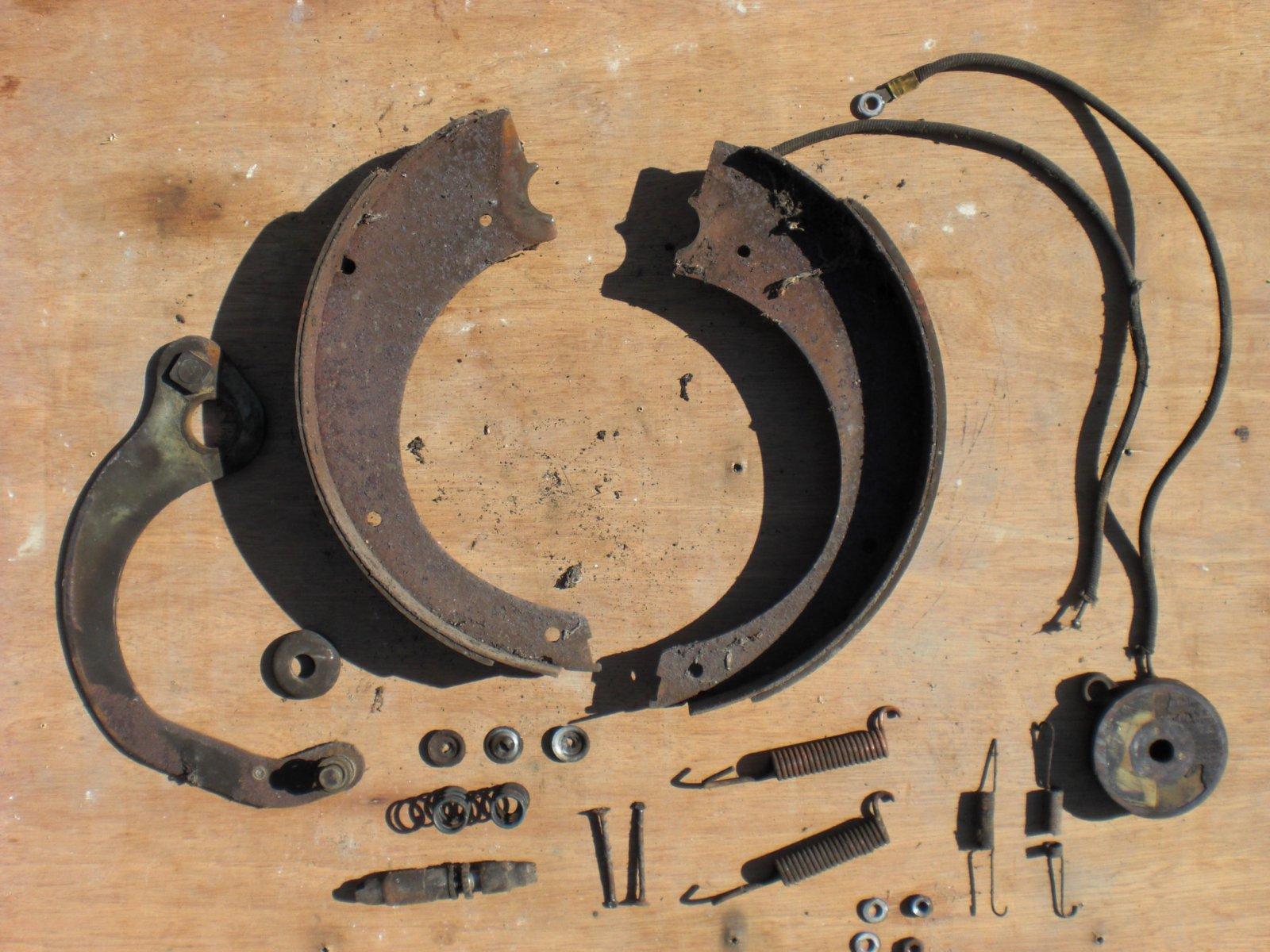 Click image for larger version  Name:brake parts.jpg Views:87 Size:306.8 KB ID:73662