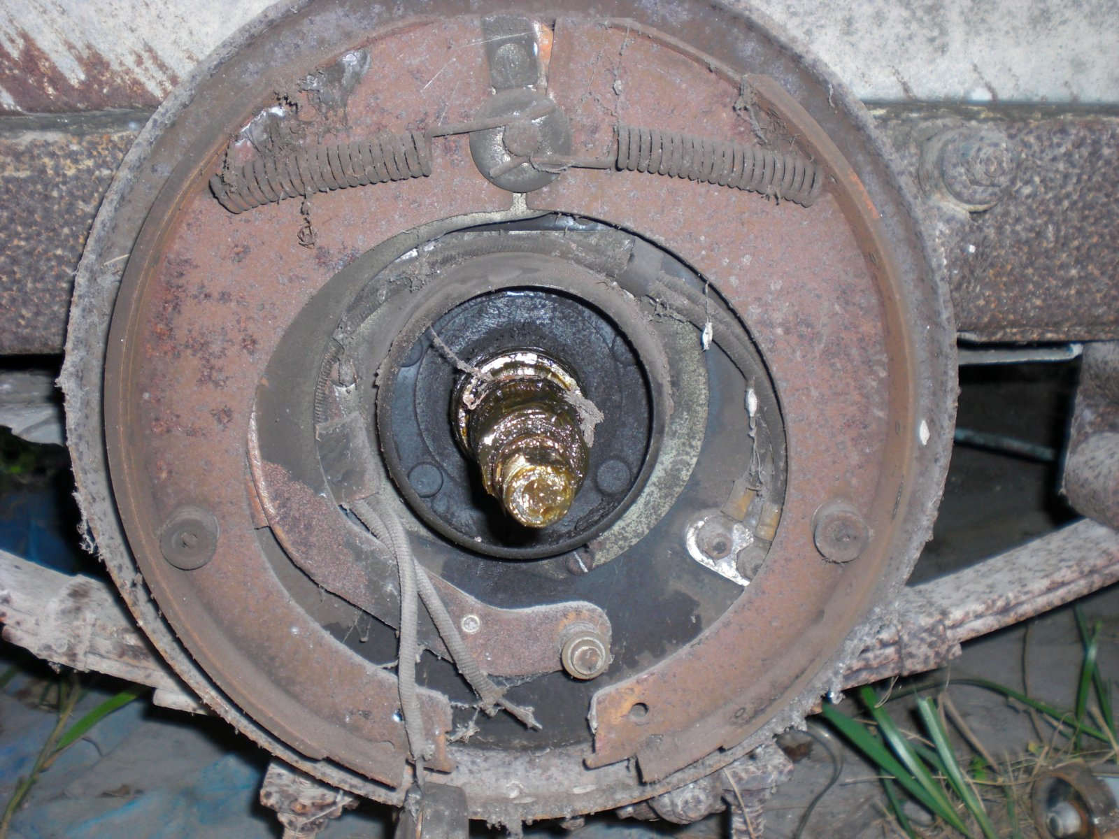 Click image for larger version  Name:brake parts2.jpg Views:74 Size:368.6 KB ID:73664