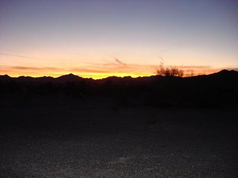 Click image for larger version  Name:sun set 2.jpg Views:89 Size:21.4 KB ID:73682