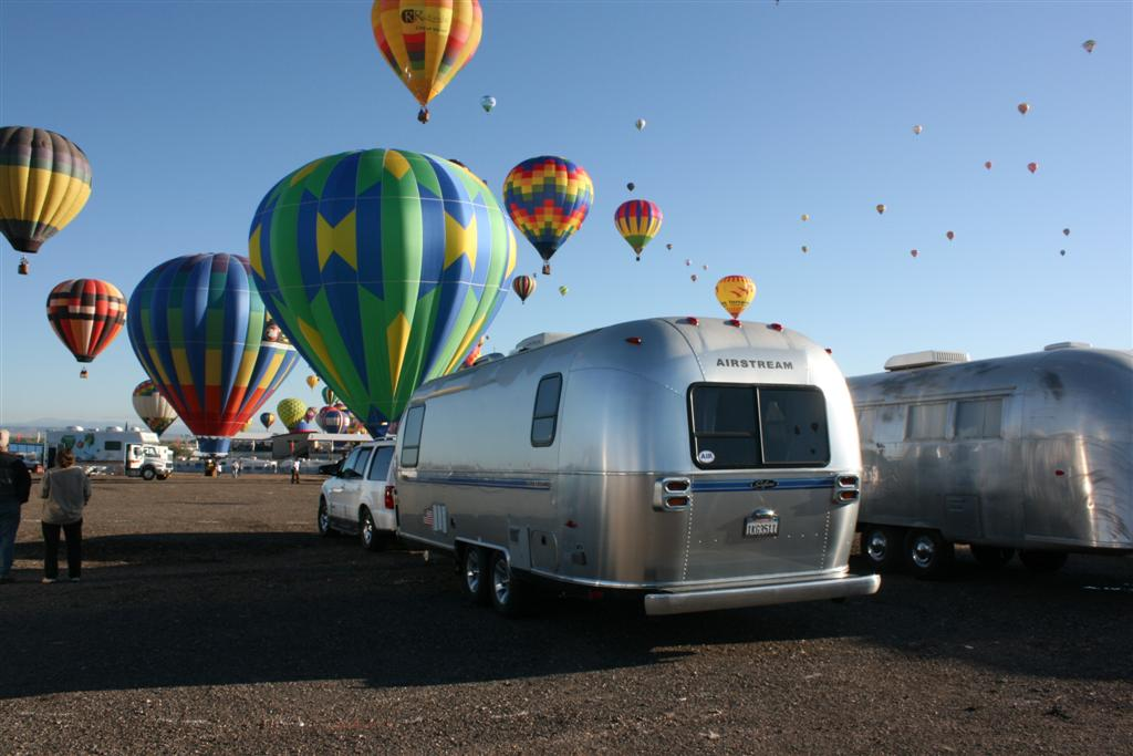 Click image for larger version  Name:2008 Balloon Fiesta 230 (Large) (2).jpg Views:179 Size:89.2 KB ID:73698