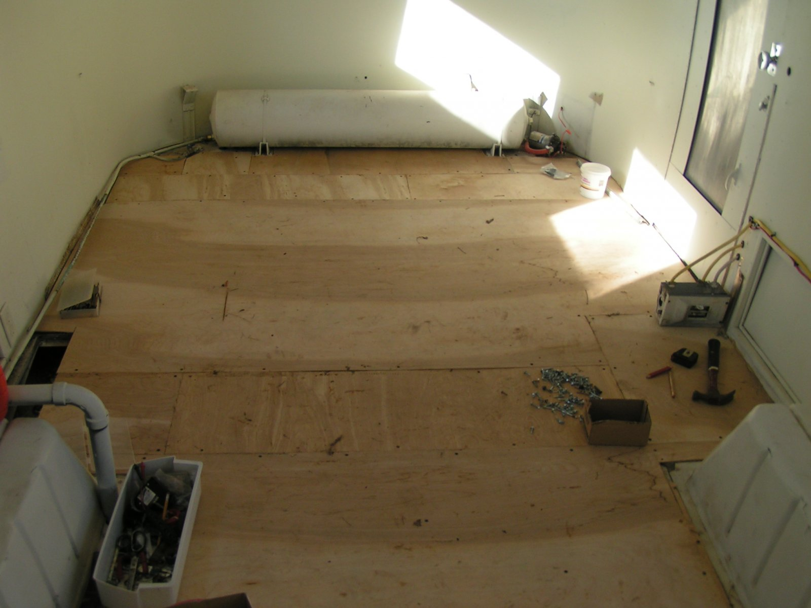 Click image for larger version  Name:Luan floor finished to front.jpg Views:229 Size:165.3 KB ID:73707