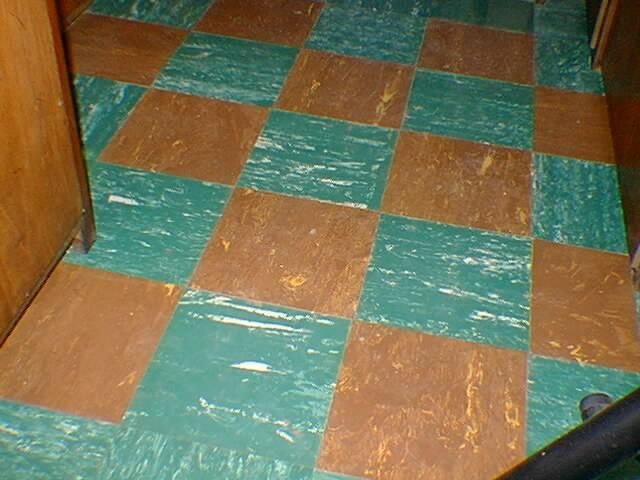 Click image for larger version  Name:floor.jpg Views:130 Size:47.0 KB ID:74898