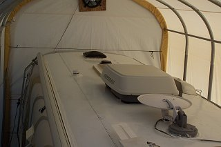Click image for larger version  Name:airstream logo and roof 009.jpg Views:137 Size:152.0 KB ID:74938
