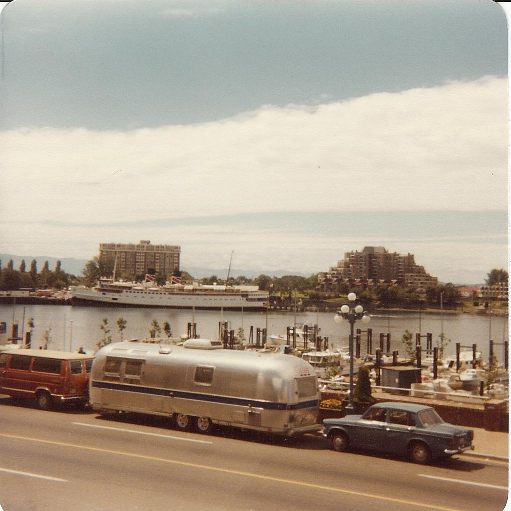 Click image for larger version  Name:First airstream sighting.jpg Views:120 Size:118.8 KB ID:75155