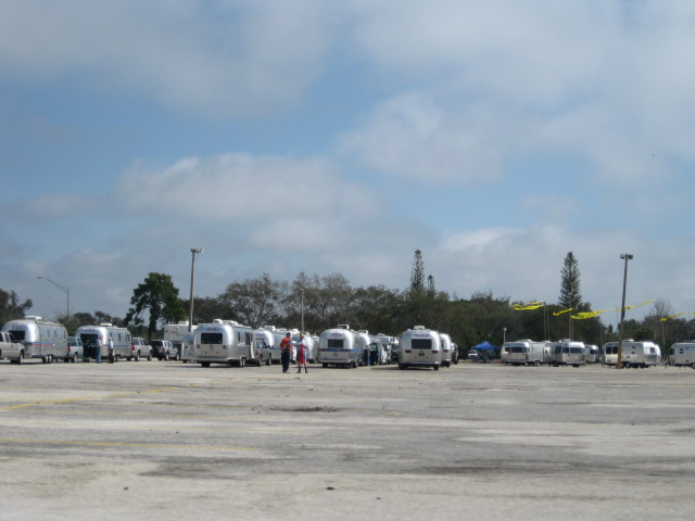 Click image for larger version  Name:2009 Airstream Rally 002.jpg Views:107 Size:73.9 KB ID:75579