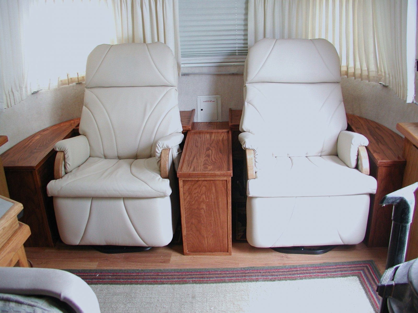 Click image for larger version  Name:Airstream recliner installation 005.jpg Views:151 Size:238.5 KB ID:75782