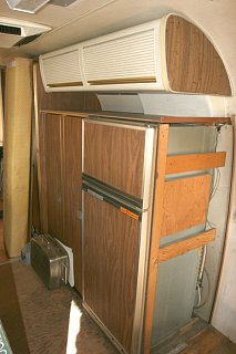 Click image for larger version  Name:IMG_8839 fridge cabinets-s.jpg Views:115 Size:95.2 KB ID:76119