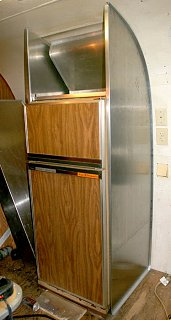 Click image for larger version  Name:IMG_8898 enclosed fridge-s.jpg Views:494 Size:85.6 KB ID:76328