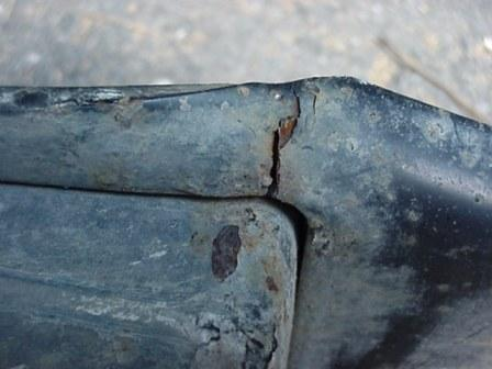 Click image for larger version  Name:Hitch Crack2 s .jpg Views:59 Size:21.5 KB ID:76510