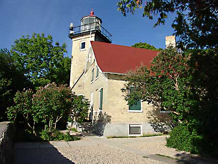 Click image for larger version  Name:Lighthouse-in-Peninsula-SP.jpg Views:187 Size:36.8 KB ID:7667